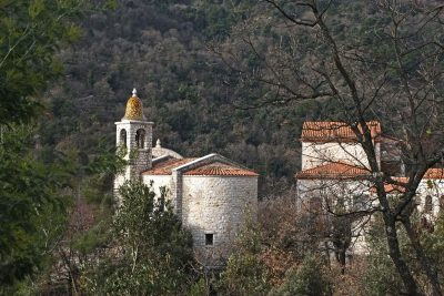 Vue de l eglise de Castillon depuis la rue de Saint-Antonin